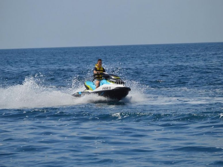Driving the jet ski in the ocean