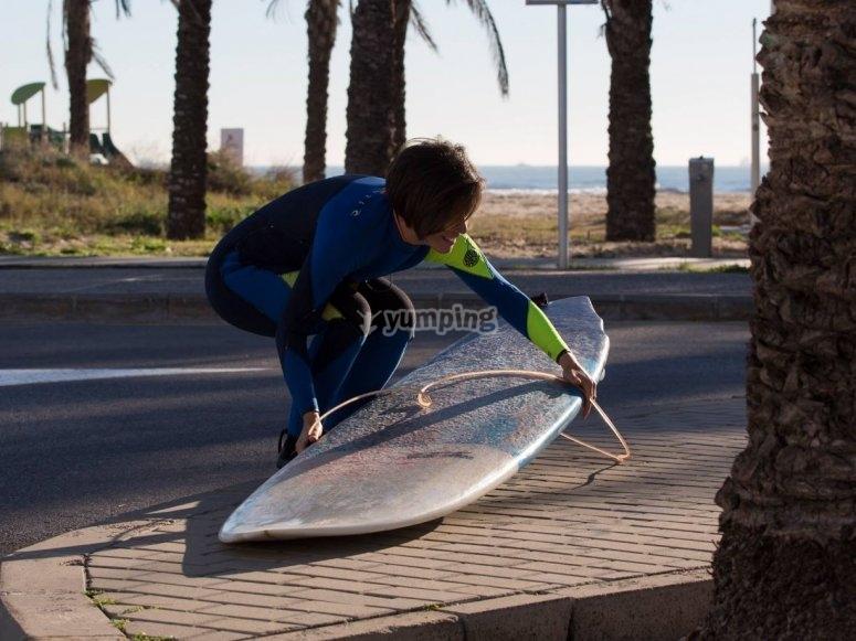 Prendi la tavola da surf