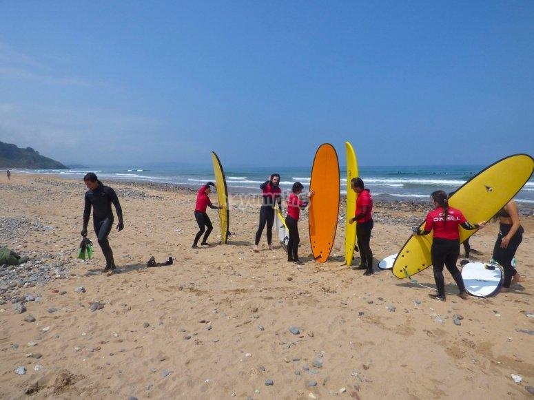 Classe surf nella sabbia