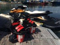 Tabla de flyboard y moto de agua