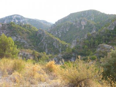 徒步穿过Vilella 4h的洞穴洞穴