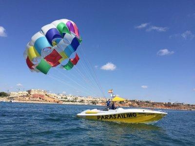 Vuelo en parasailing en Torrevieja durante 15 min