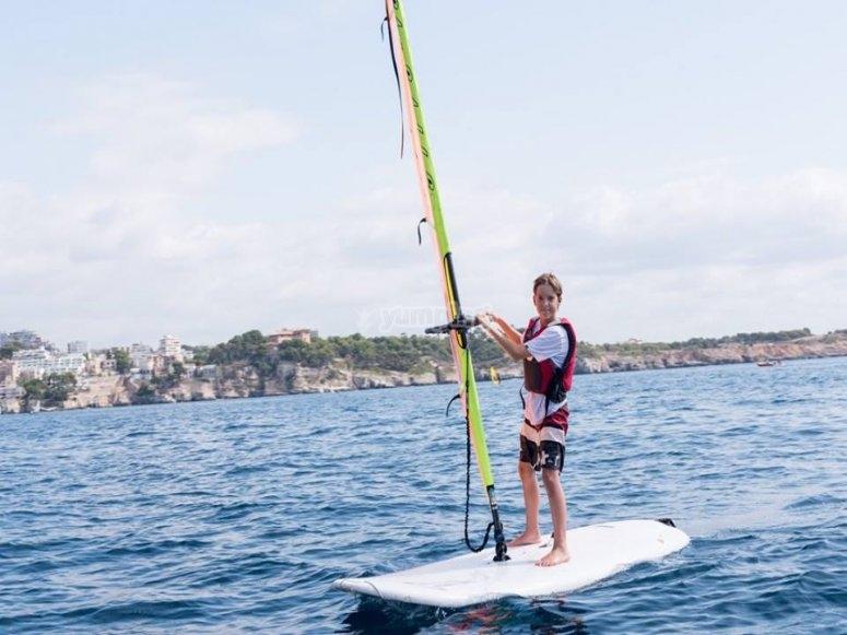 Deporte saludable en el mar