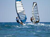 在马略卡岛租1个小时的帆板运动设备