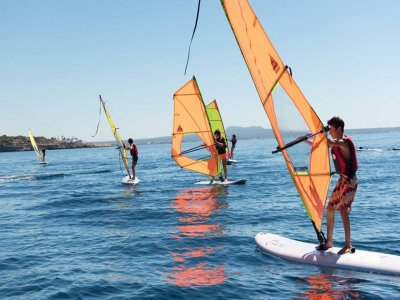 Alquilar material windsurf en Cala Major 2 horas