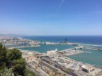滨海金枪鱼捕捞关闭Bacelona的海岸船