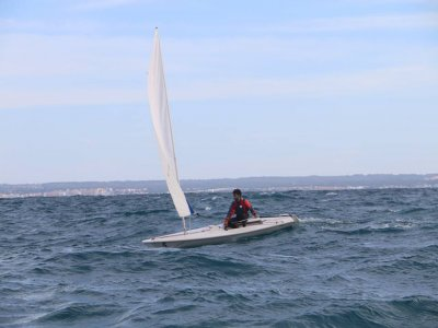 在马略卡岛租用个人激光帆6小时
