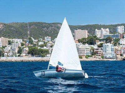 在Palma de Mallorca租10小时激光帆