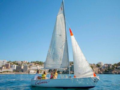 在马略卡岛的帆船租赁最多5人2小时