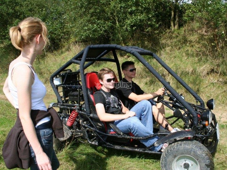 Montando en buggy