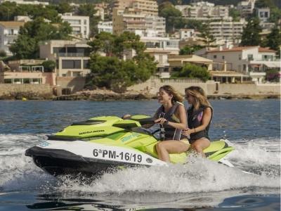 Alquiler moto de agua con licencia en Palma 8 h
