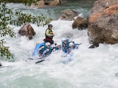 Despedida de soltero/a Pirineos rafting II comida