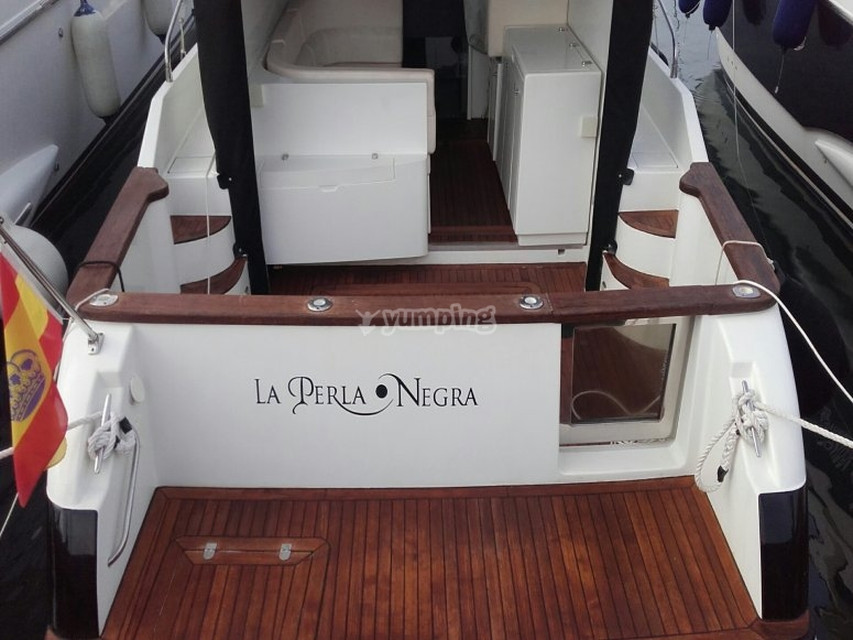Barco llamado La Perla Negra