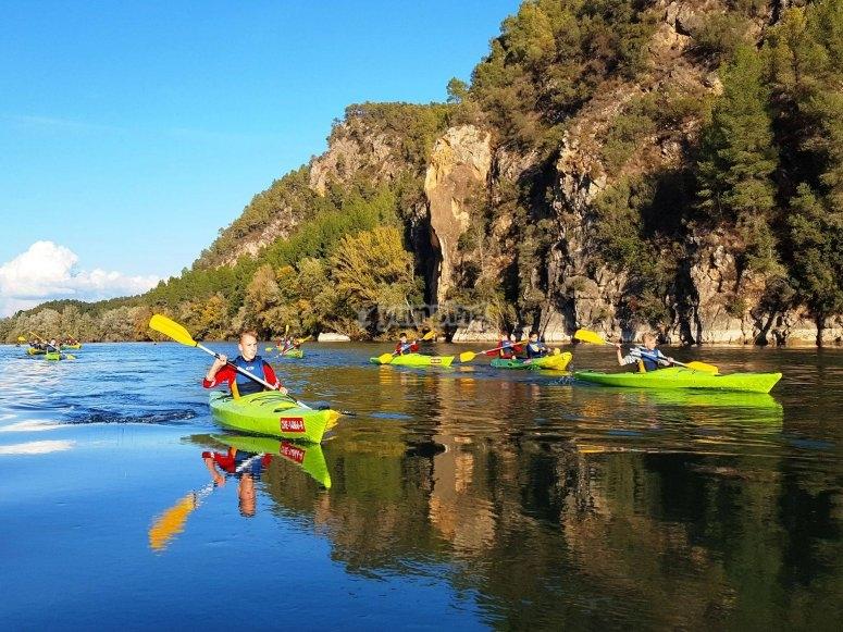 在Ebro划独木舟