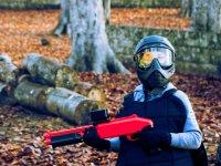 彩弹射击儿童和公园冒险