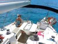 Al sol en la cubierta