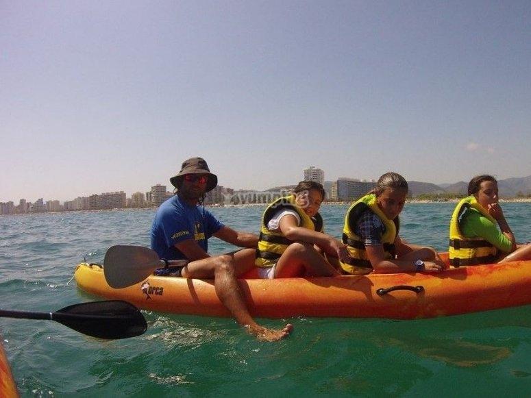 Kayak en la playa de Gandia