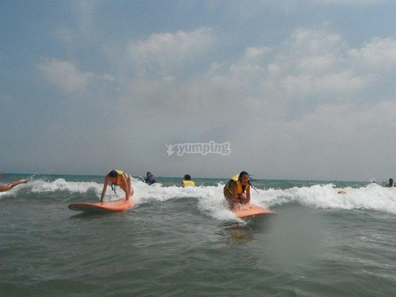 Día de surf en Gandía