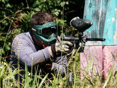 Addio al celibato con paintball in Luesia