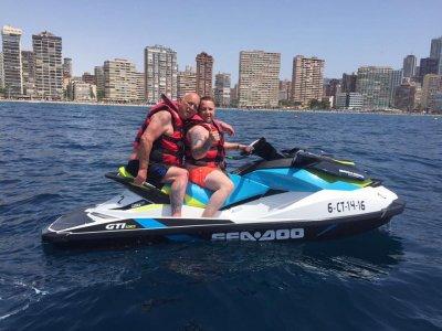 Excursión en moto acuática a isla Benidorm 30min