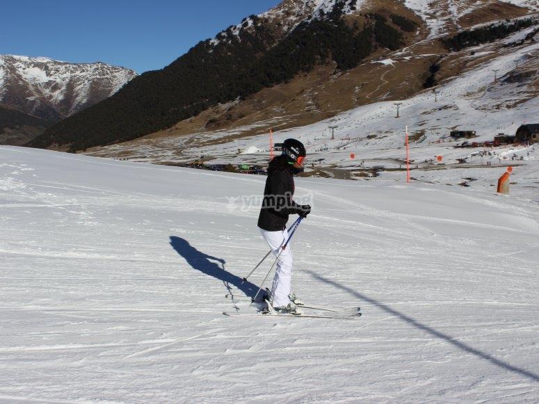 家庭滑雪Baqueira