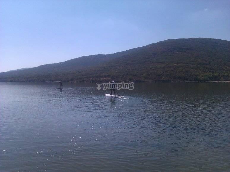 在塞哥维亚(Stgovia)站立划桨