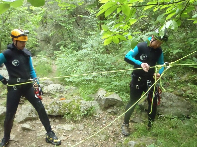 Canyoning course students