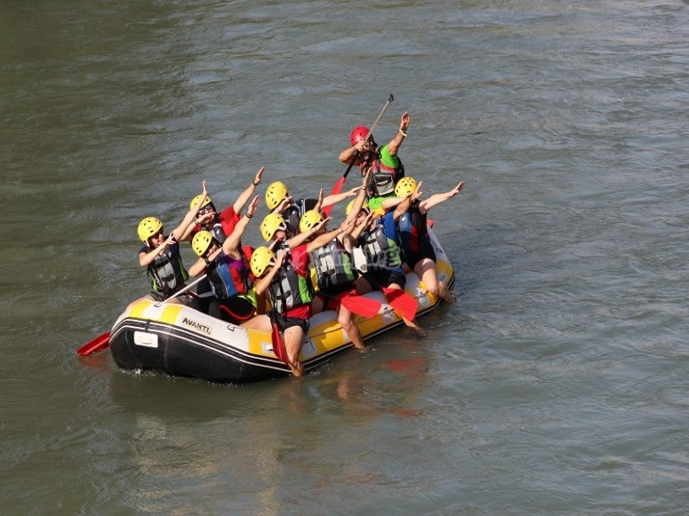 里科特河谷的木筏