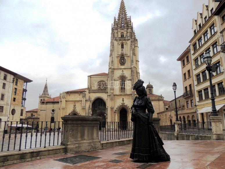 Estatua de La Regenta