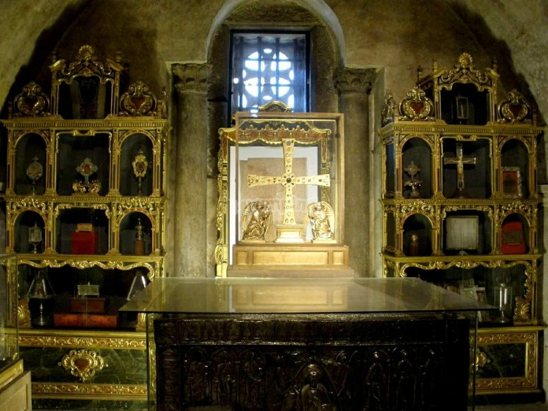 Camara Santa en el interior