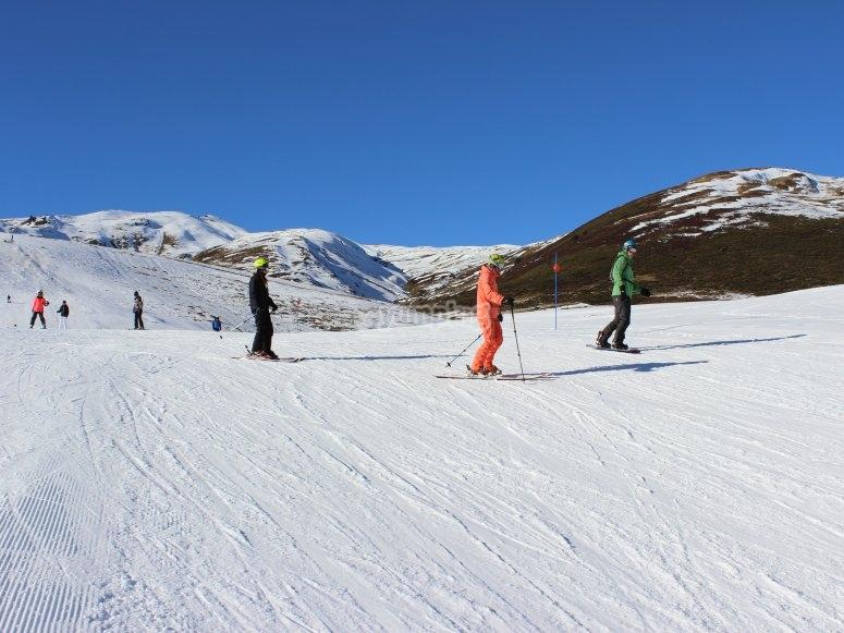 Esquiar en familia por Baqueira