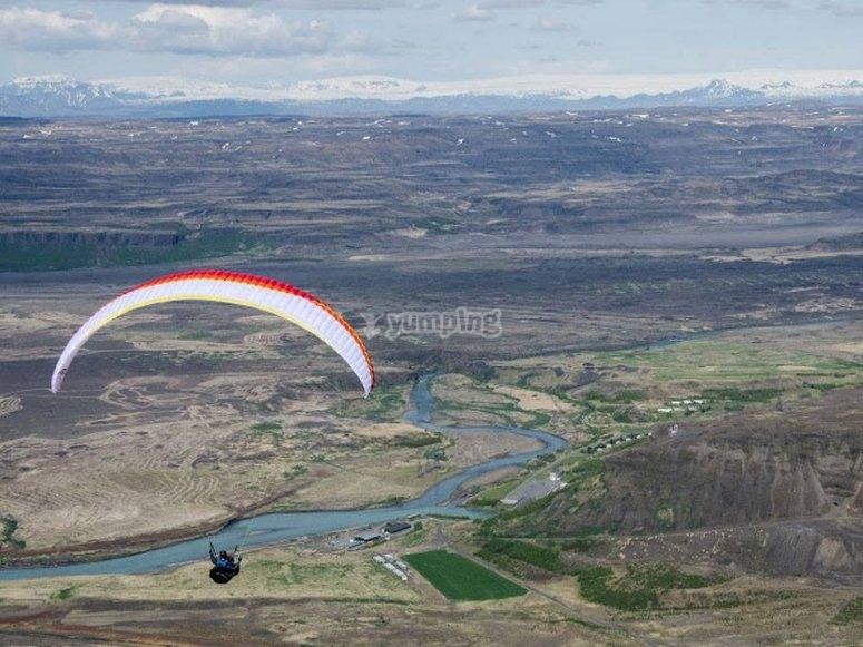 滑翔伞飞翔