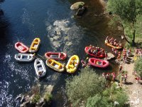 Rafts en la orilla de Ulla