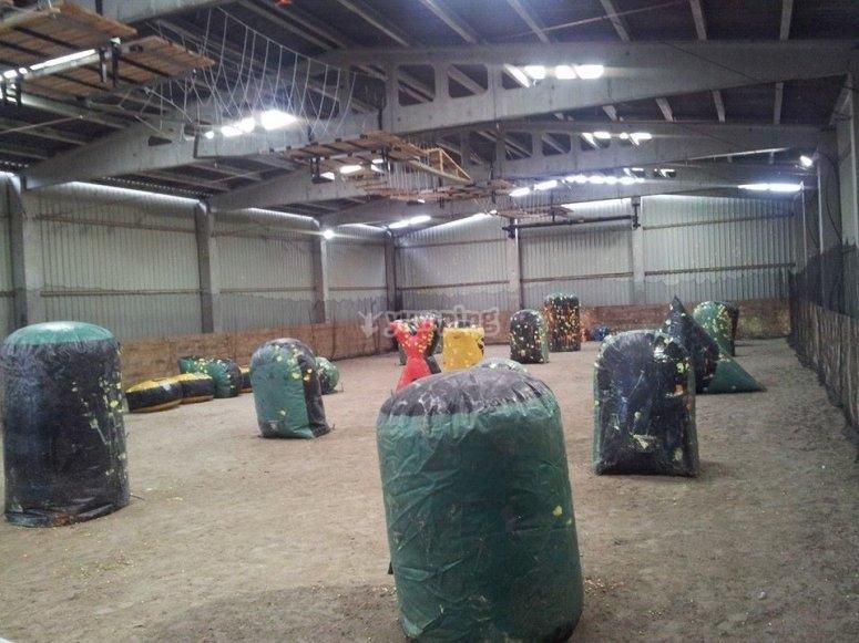 Campo indoor con hinchables