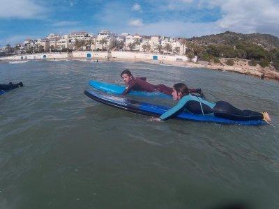 Summercamp de surf en Sitges 1 semana tardes