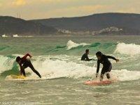 Surfea en grupo