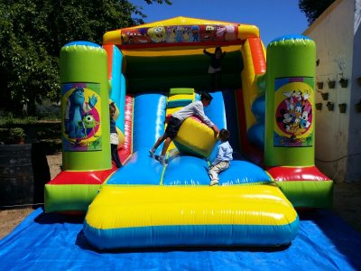 Bouncy castle rental at Huelva, 1h