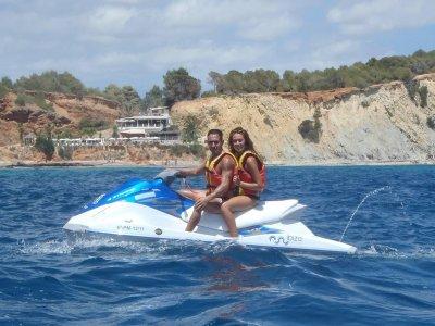 Excursión en moto de agua en Ibiza media jornada