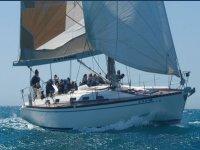 Navegando en barco de vela