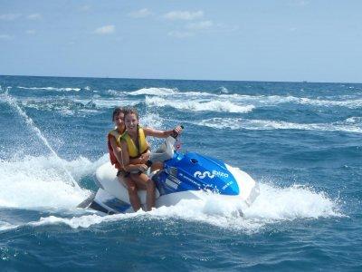 Sesión en moto de agua y flyboard en Ibiza