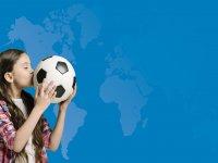 Con il pallone da calcio
