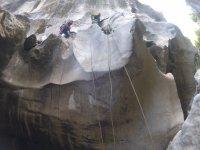 在马拉加峡谷探险