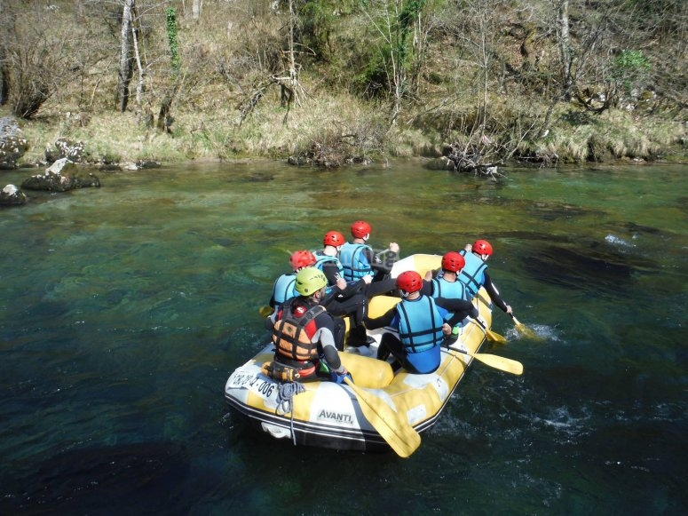 Rafting on Cares