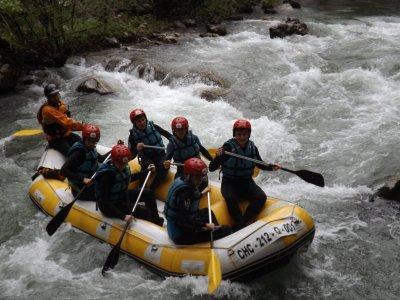 Rafting familiar en el río Deva