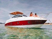 船在海上的Montecarlo