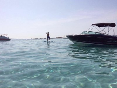 Noleggio barche Monterey 224 a Ibiza 8 ore