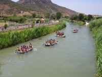 Rafting with friends in the Segura