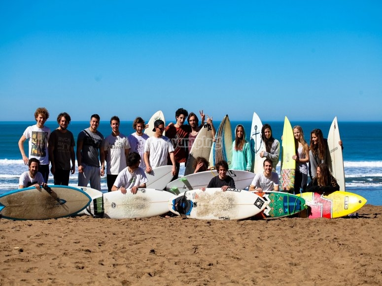 Alumnos del surf camp