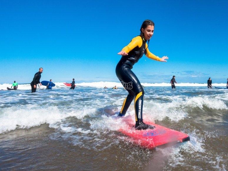 Surfeando en Sopelana