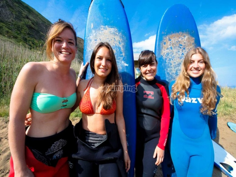 Surfing girls